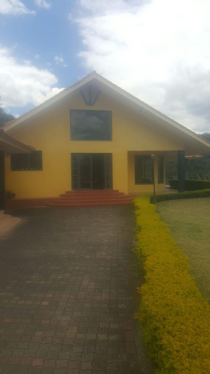 Hermosa Quinta en Yunguilla totalmente Familiar