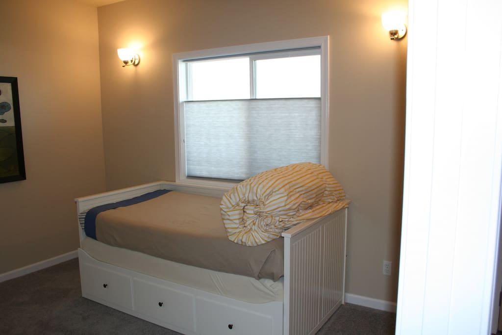 DAY Bed Room