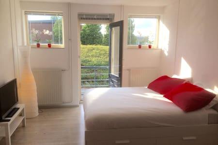 Stylish studio apartment in vibrant city centre - Maastricht