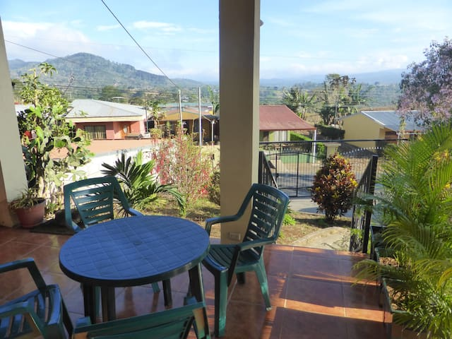 House with sunny panoramic view - Esquipulas