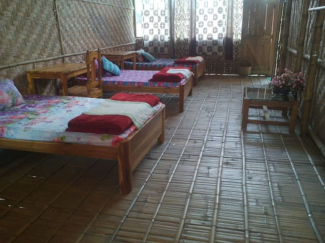 Bamboo Long Room