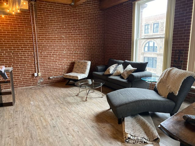 Fantastic loft on Washington Ave.