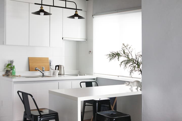 Whole House / 2BR Private Rooftop / 4min subway - 서울특별시 - Casa