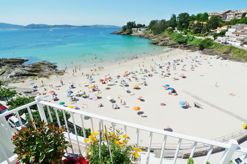 Vivienda con terraza sobre la playa y el mar for Viviendas sobre terrazas