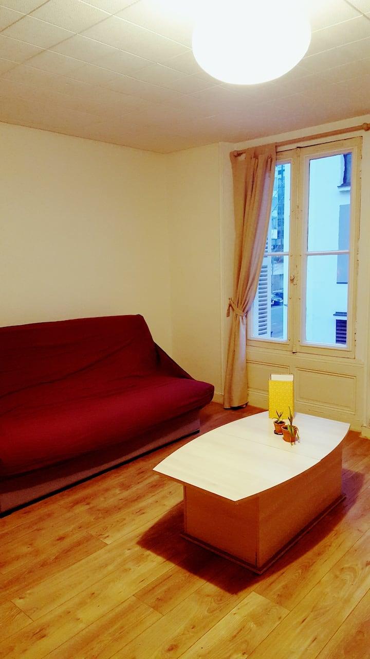 Agréable T1, simple et confortable, Rue calme