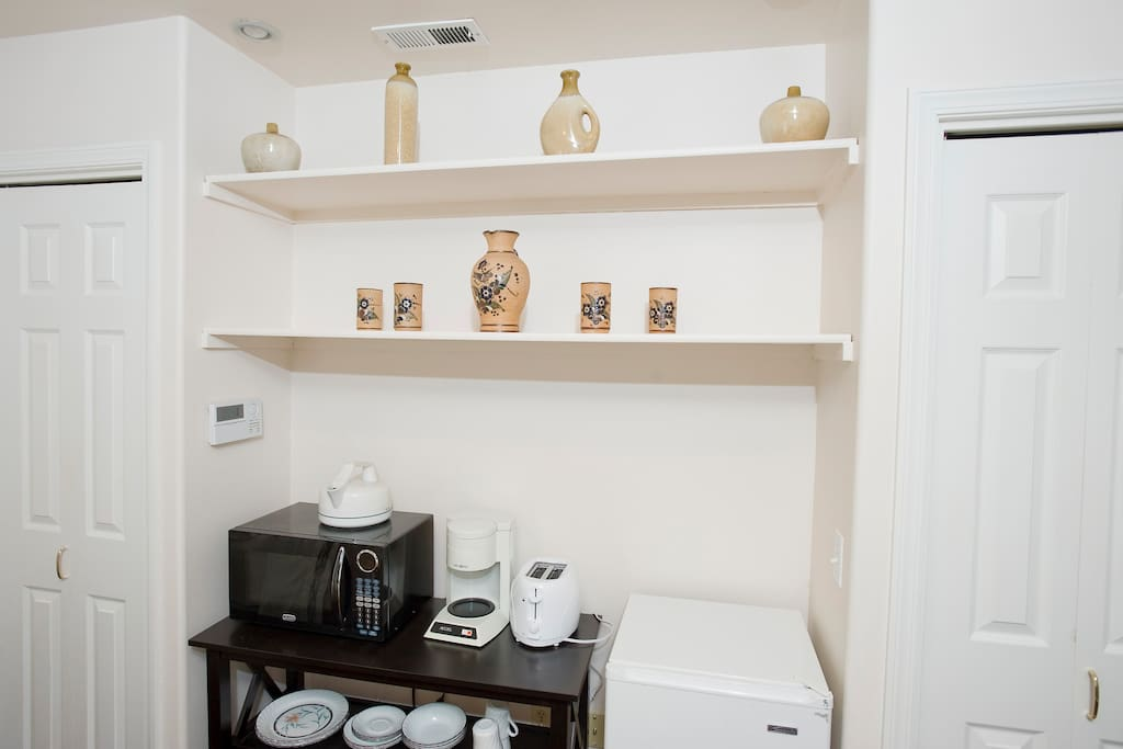 Small alcove with kitchenette
