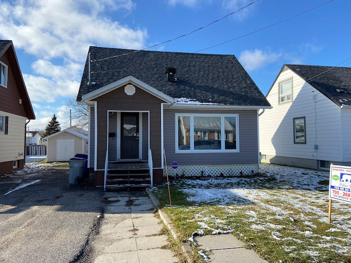 Clean & Comfortable home close to hospital
