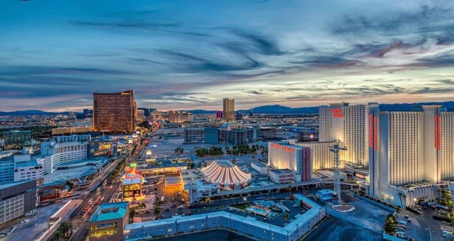 Vegas Living