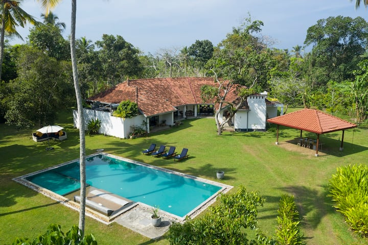 Garden Villa Ronnaduwa - Entire Villa with Pool