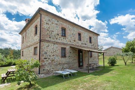 Rustico tra Umbria e Toscana - Fabro
