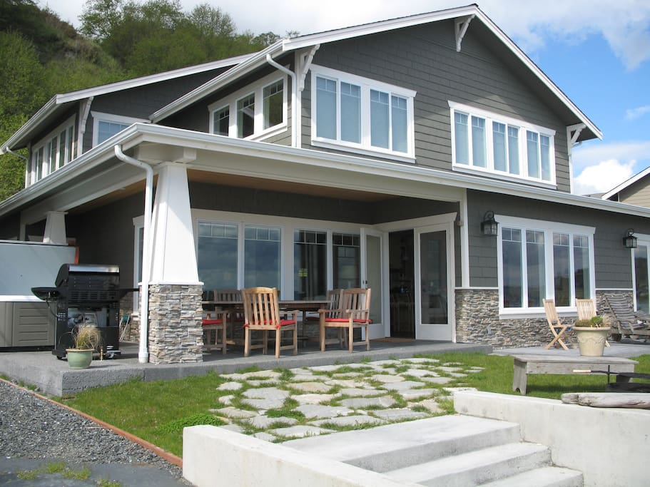 Luxury cape cod on sandy beachfront villas for rent in for Cape cod luxury homes