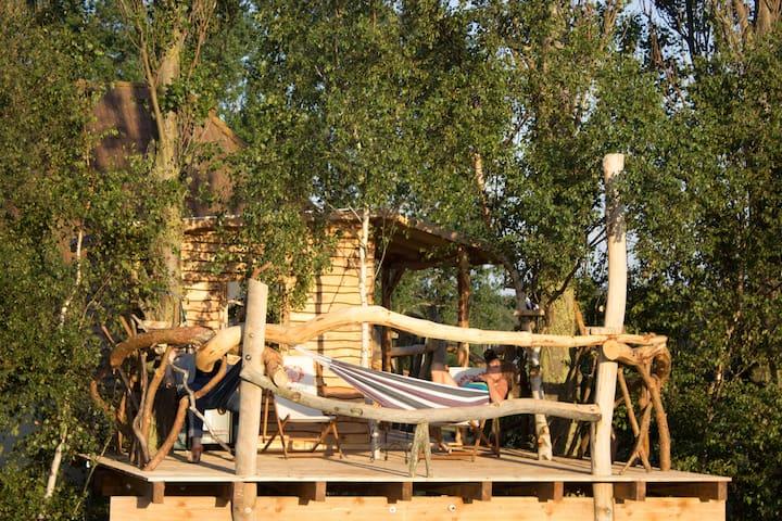 Baumhaus mit spektakulärem Blick auf ´s Wasser