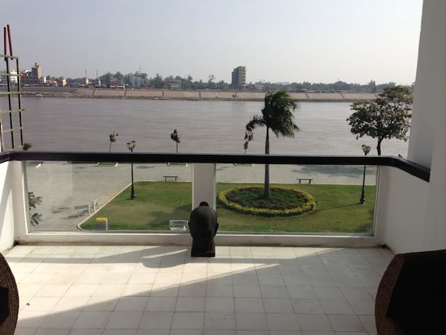 Beautiful riverside apartment - Phnom Penh - Daire