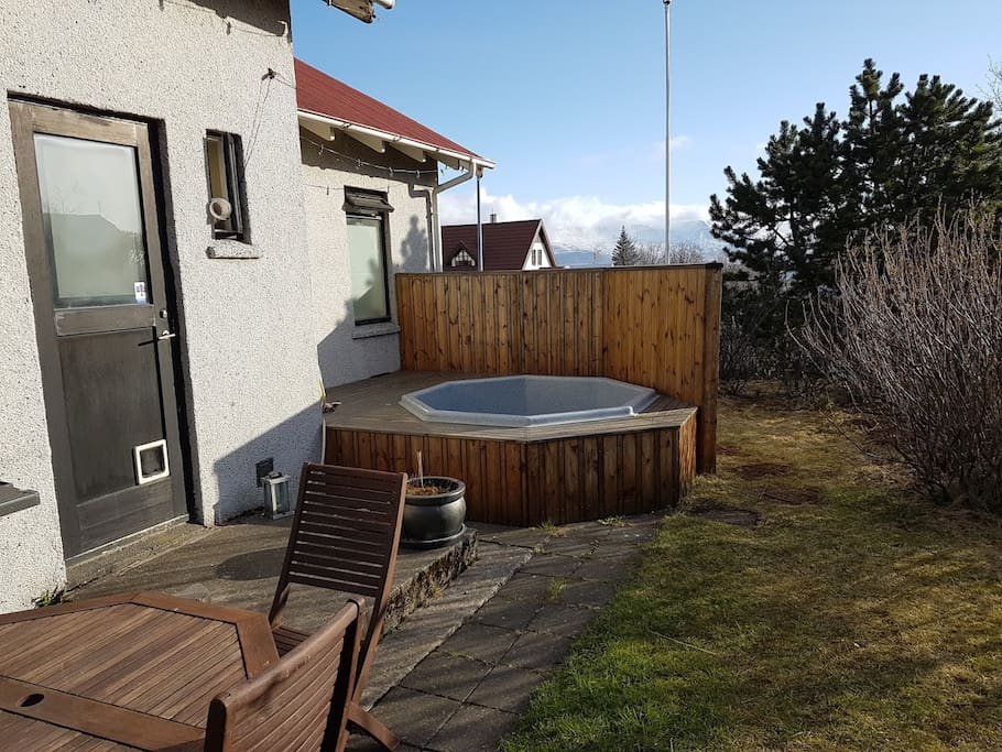 Garden and hot tub