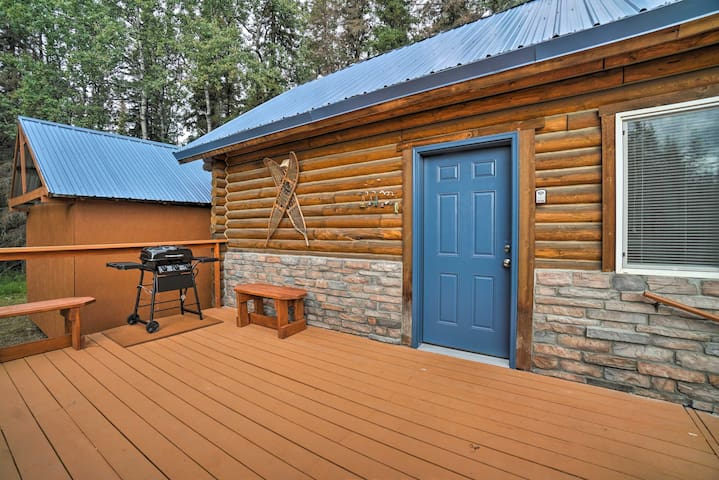 Soldotna Cabin w/ Essentials- 4 Mi to Fishing