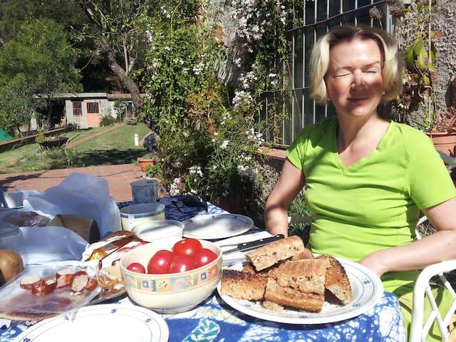 Un estupendo desayuno en la terraza