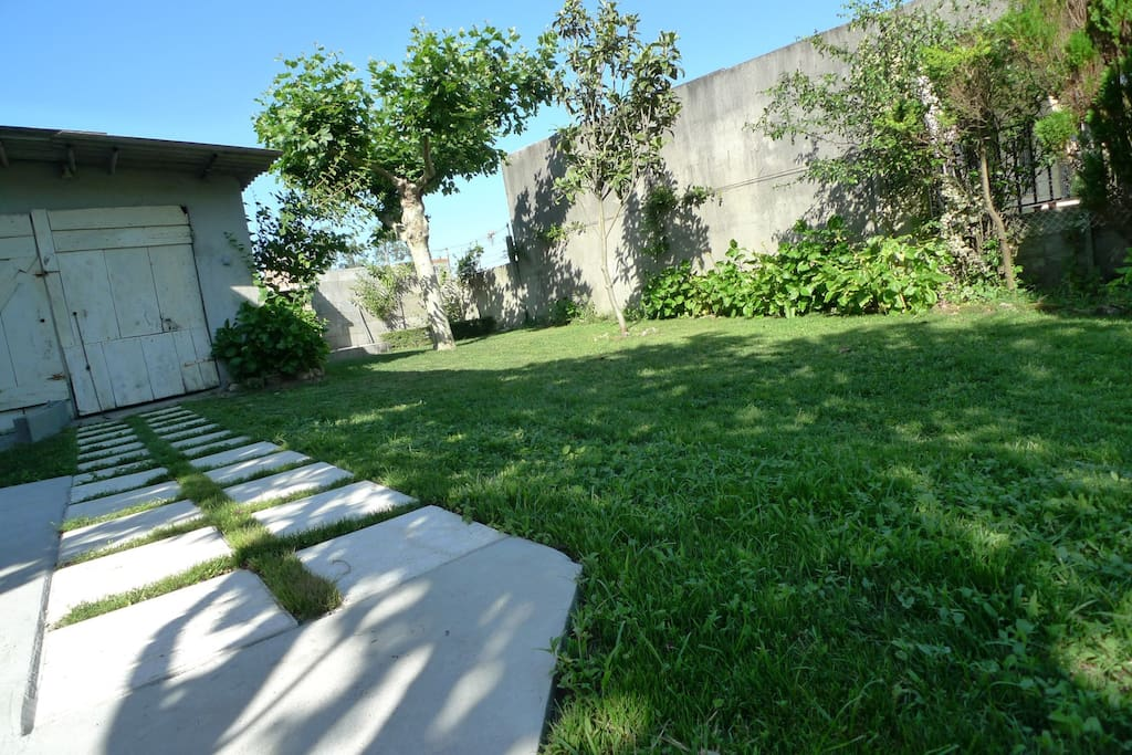 Vista general del jardín cerrado