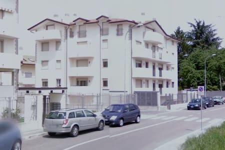 Appartamento bilocale solo a donne - Cerro Maggiore
