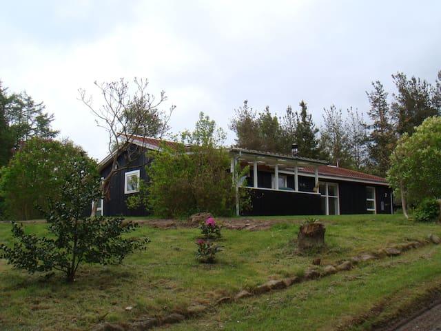 Sommerhus med spa på Helgenæs - Knebel - Rumah