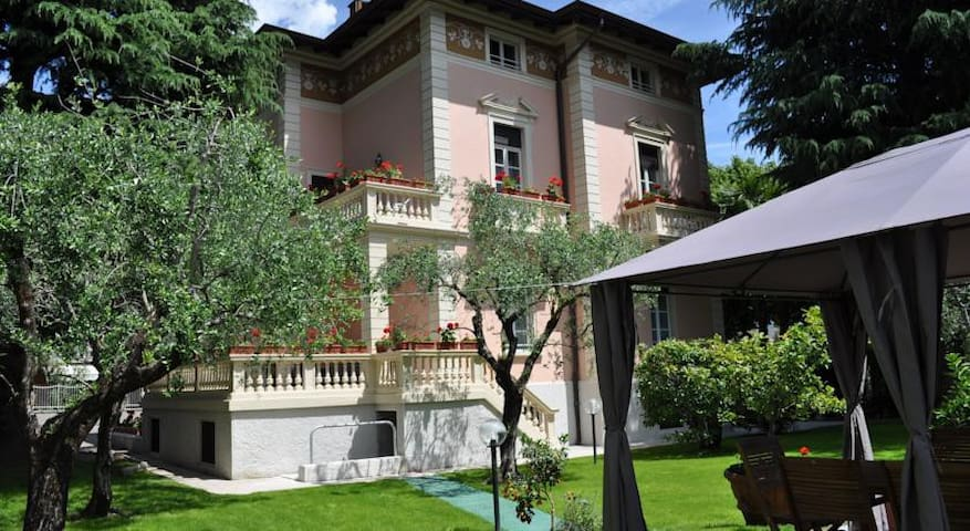 2-floor for 8 people in Villa Lucia - Riva del Garda - Rumah