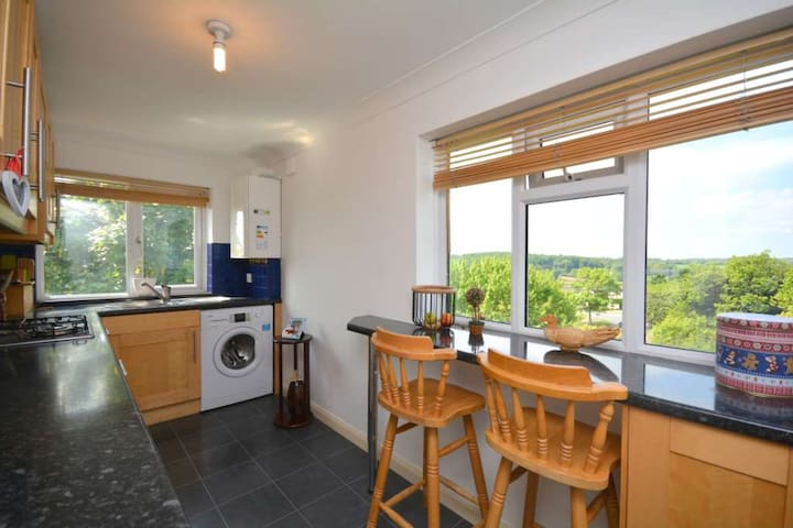 Spacious 2 bed maisonette with spectacular views - Chesham - Apartamento