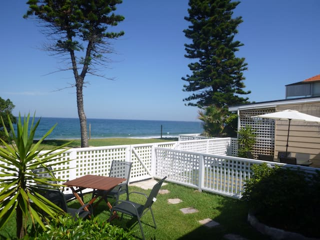 Private Beachfront Apartment Backyard to Beach; 3