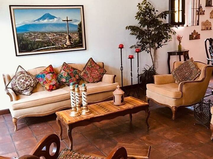 Colonial Central loft for 4 -Casita Antigueña