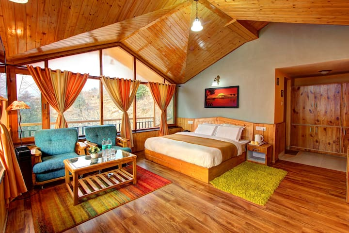 Elegant Luxurious Room | Spectacular View | Manali