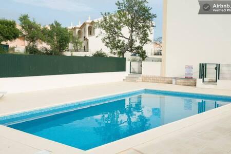Luxury , modern villa . Albufeira , 2 bed, 3 bath - Albufeira