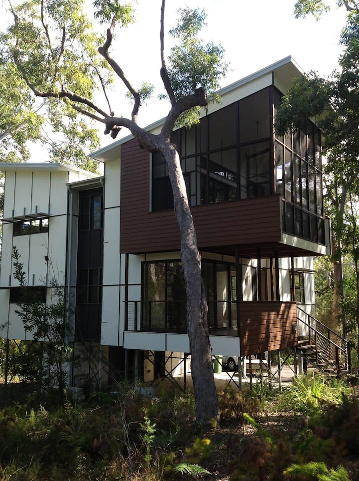 """""""Our Treehouse"""" - Noosa North Shore"""