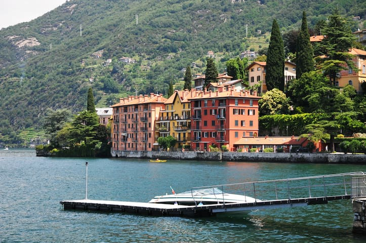 Lake Front, Directly on the Water! - Bellano - Apartment