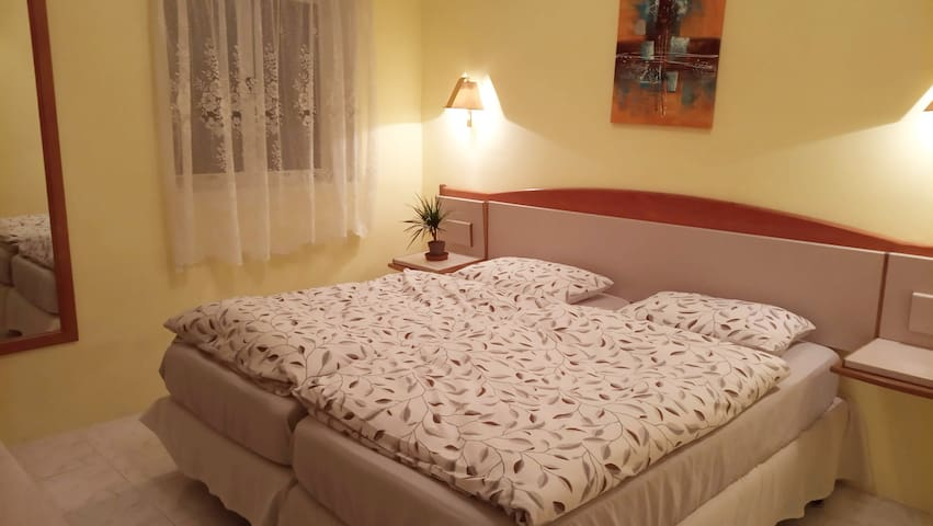 Room in Sliema close to the beach *seaview *AC