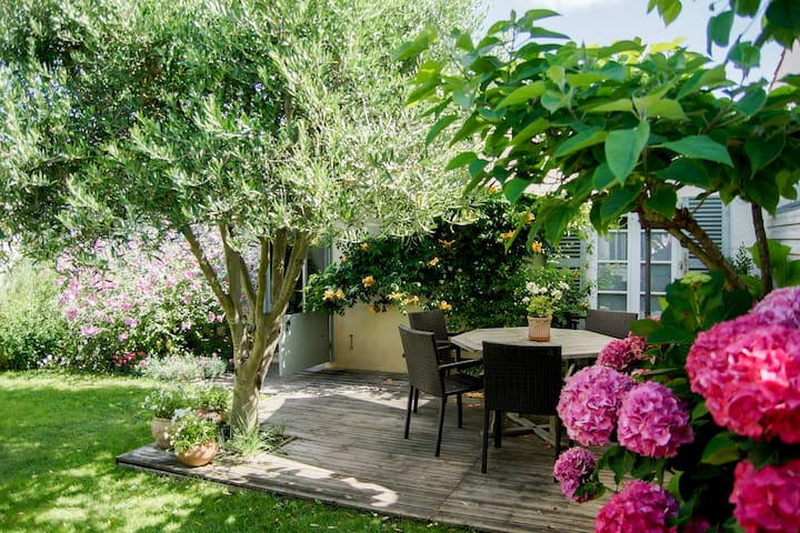 """chambre """"la mer"""" cuisine, jardin, calme.300m plage"""