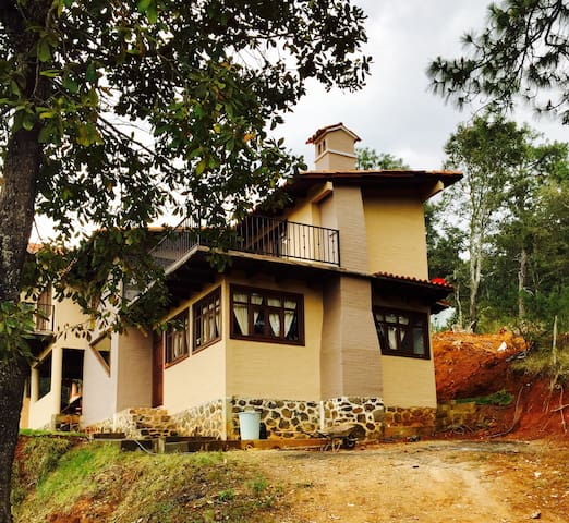 Cabaña Grand Chalet en Mazamitla - Mazamitla - Haus