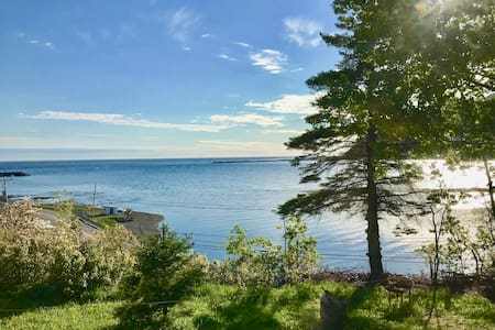 Apartment for 4 persons with sea view in Gaspésie.