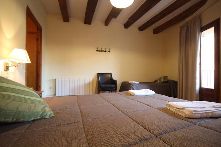 Centre del Montsec - 101 - Triple Room