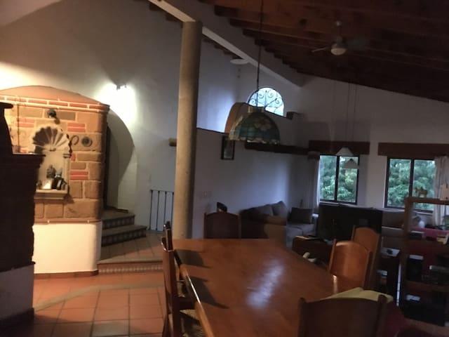 Casa del Arbol - Tepoztlán - Huis