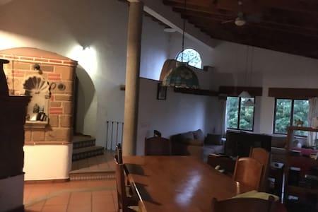 Casa del Arbol - Tepoztlán - Rumah