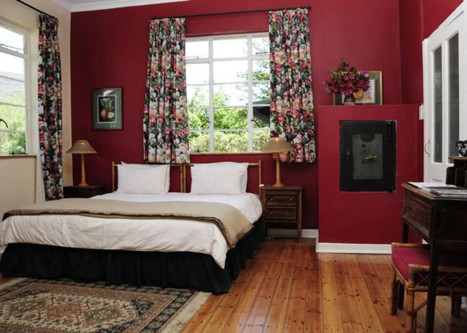 Rose Cottage -Bedroom