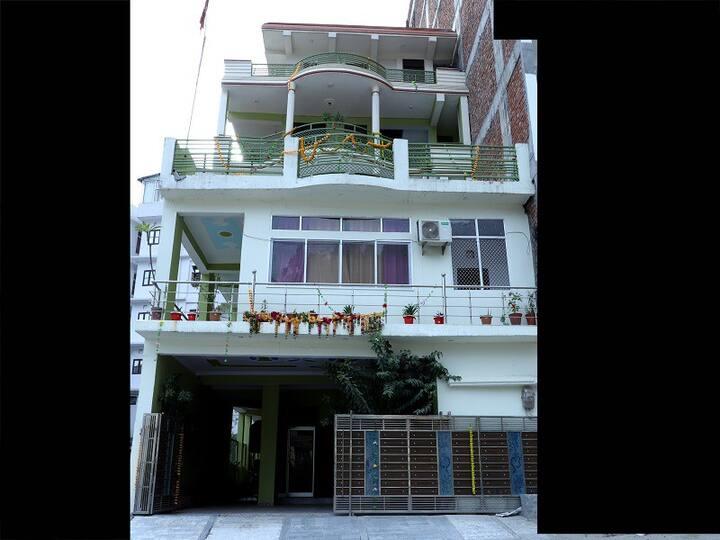 Brahmguru Triple Room Resort