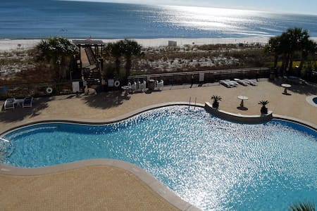 2BR Gulf Front Luxury!New Decor!Sleeps 7-8!2 Pools