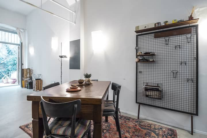 Loft close to Central Station in Milano!