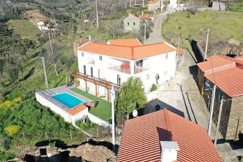 Stunning mountain apartment. private terrace & BB
