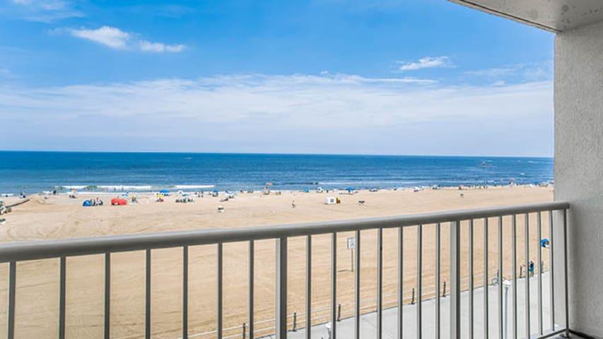 Beach Quarters Resort- Oceanfront 1 bedroom