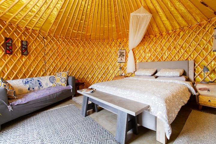 Garden Yurt Tahiche, private pool & WIFI