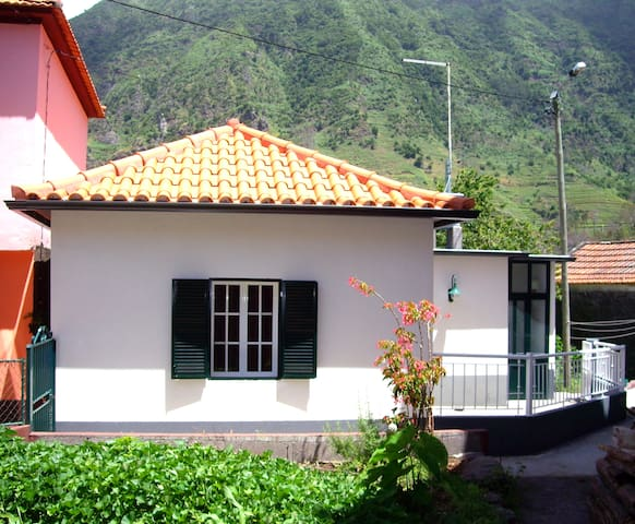 Little House Traditional - Sao Vicente - Casa