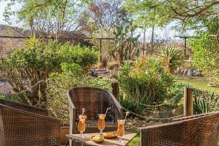 only a few minutes out of Windhoek - Bed & Breakfast