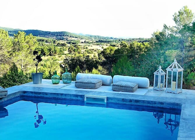 EXCLUSIVE  FINCA with VIEBS, PRIVACY AND PEACE