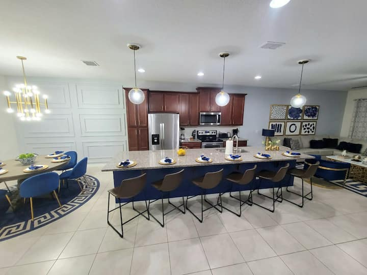 Luxurious 3 Bedroom 3.5 Bath Townhome in Orlando