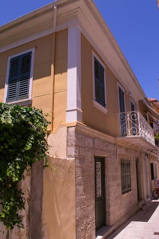 Beautiful Traditional Mansion - Lefkas - Rekkehus